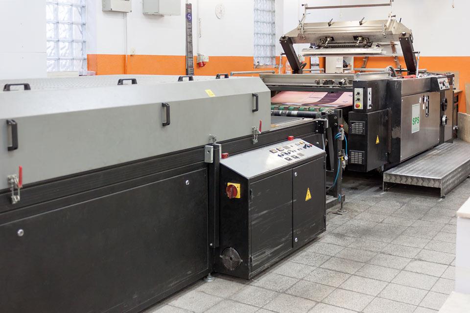 Linia automatyczna sitodruku i lakierowania UV - SPS Rehmus